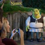 Shrek Photo with girl 111109_113542-3