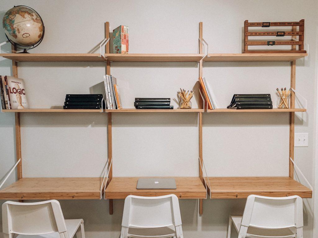 Review of the IKEA Svalnas Desk - www meghantucker com
